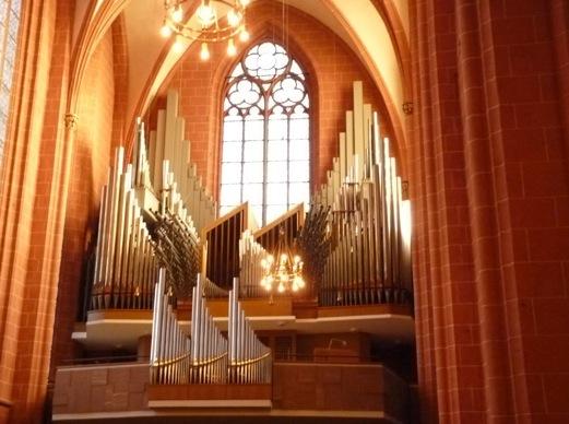 Orgão na Igreja de São Bartolomeu, Frankfurt.